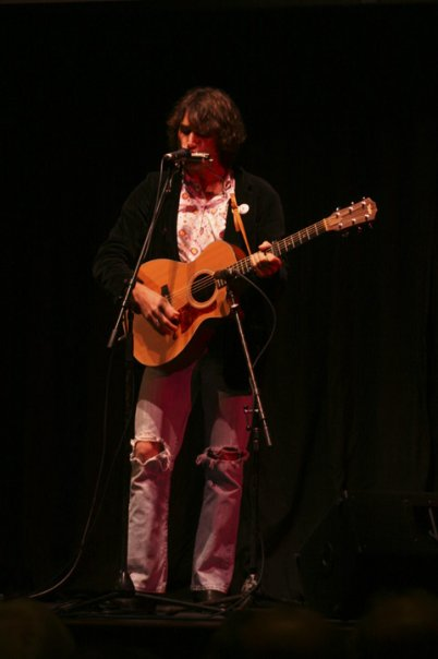 Steven Bates playing acoustic show